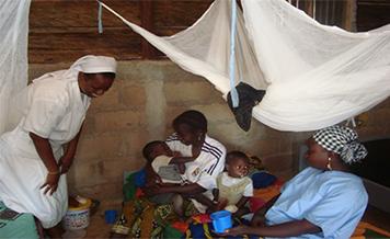 Con 40.000 € Se han hecho llegar víveres y medicamentos a 326 familias refugiadas de MALI (África)