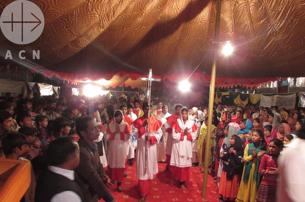 Más acusaciones de blasfemia contra cristianos e hindués en Pakistán