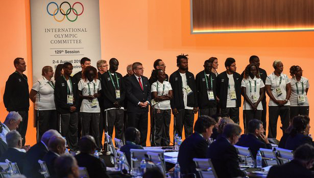 Presentan a atletas refugiados del equipo olímpico