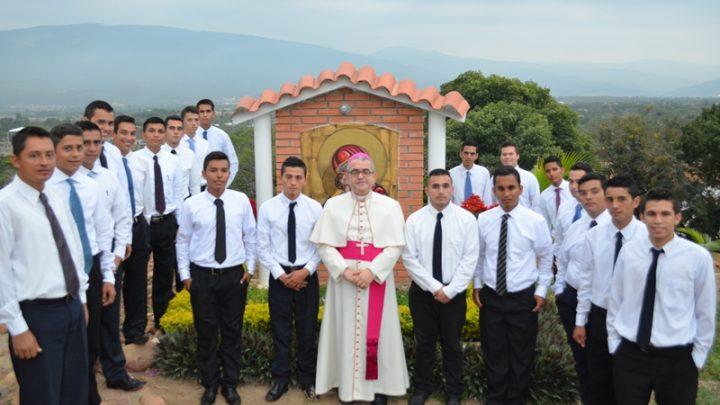 COLOMBIA / CUCUTA 16/00062 Formation of 49 seminarians in the mayor seminary San José de Cúcuta, 2016
