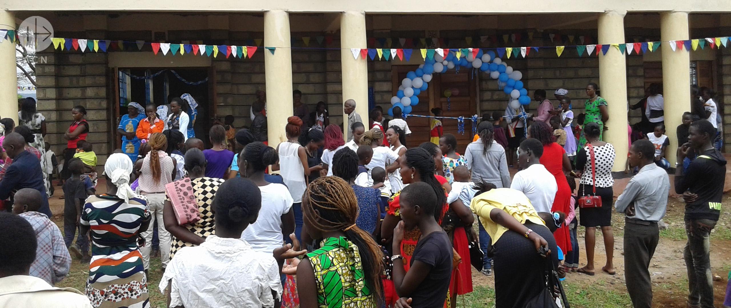Una nueva iglesia para una parroquia de misión en Kenia
