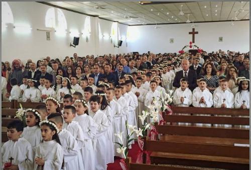 A pesar de la amenaza terrorista, cien niños hacen Primera Comunión en Alqosh, Irak