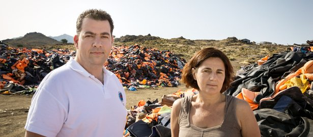 Voluntarios griegos que salvan vidas de refugiados ganan Premio Nansen