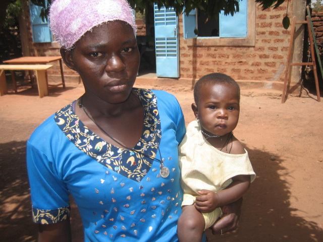 Apoyo al centro católico para niñas embarazadas en África