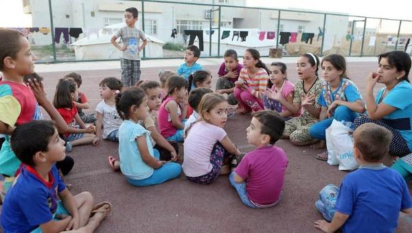 Papa Francisco exige acoger y respetar derechos de los niños migrantes