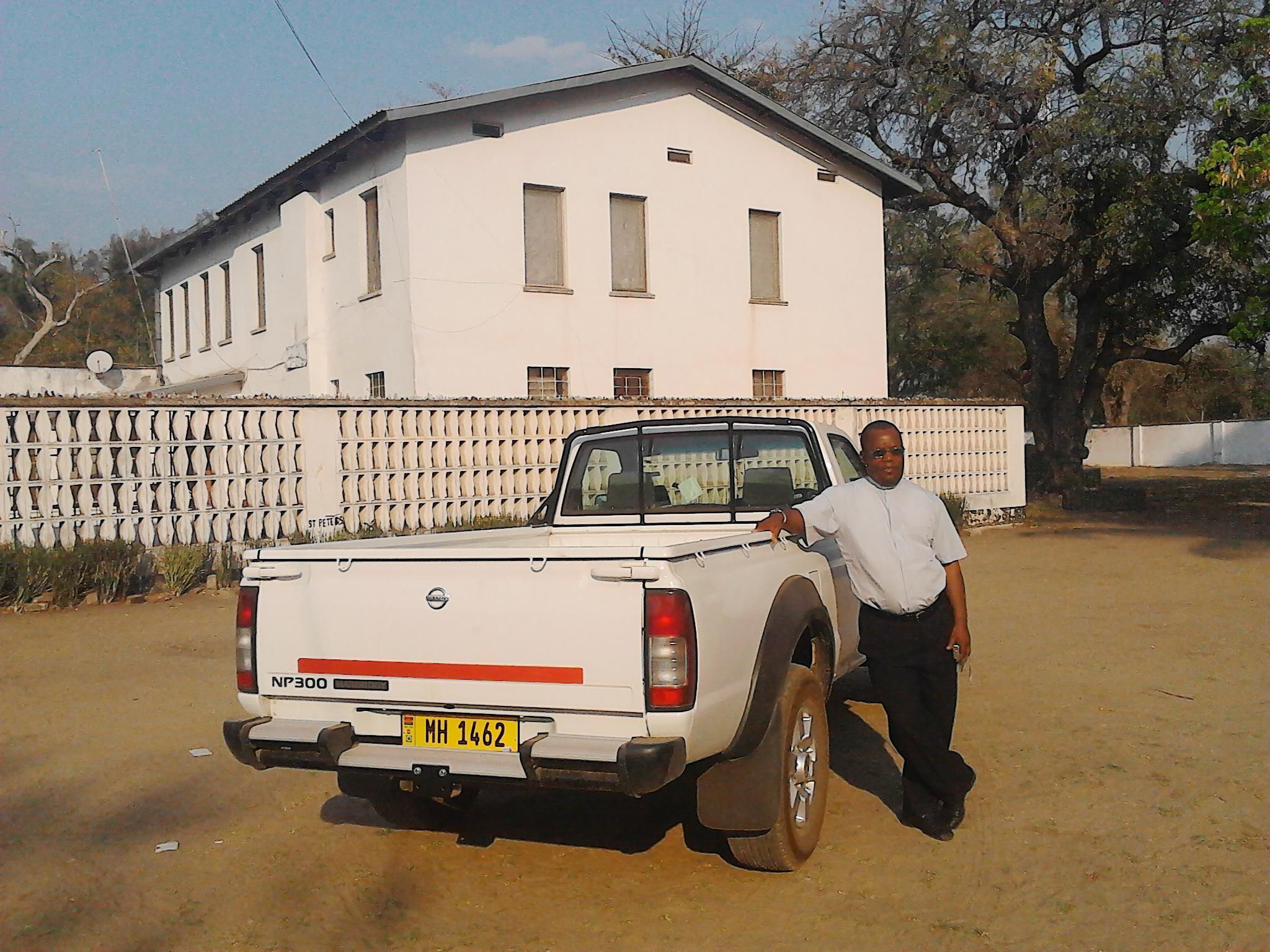 Proyecto de mes: dona ACN vehículo para atender a comunidad de cristianos en África