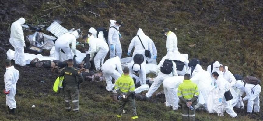 El Papa manda pésame a familiares de víctimas de avionazo en Colombia