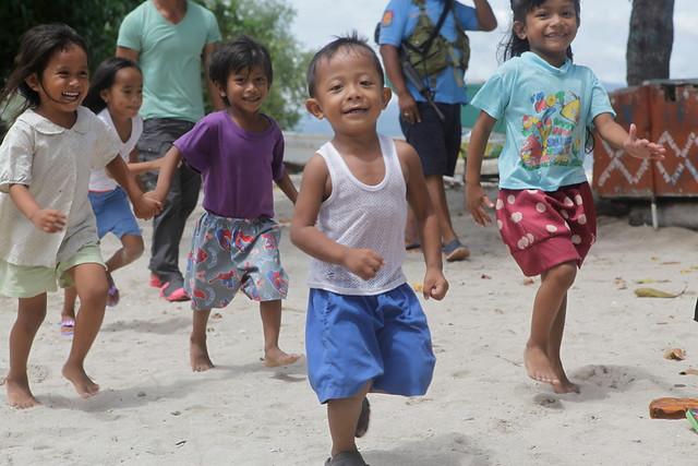Visita  ACN proyectos enfocados a la reconstrucción después del paso del tifón en Filipinas