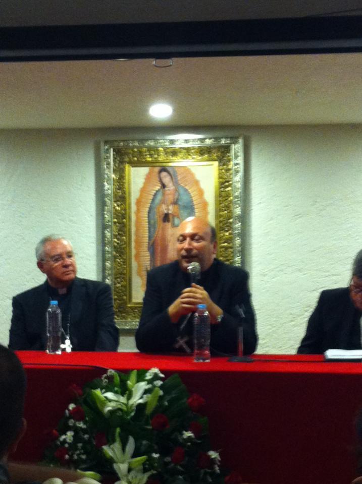 Visita Nuncio en México con la morenita del Tepeyac