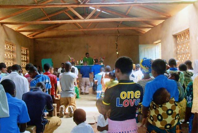 Conflicto en Mozambique desplaza a 5 mil personas