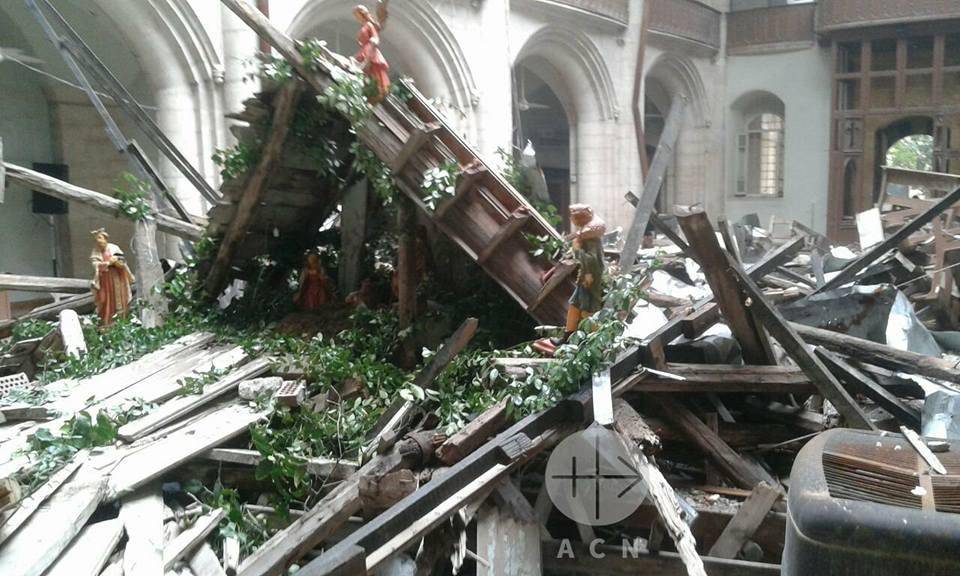 En medio de las ruinas los cristianos celebran la Navidad