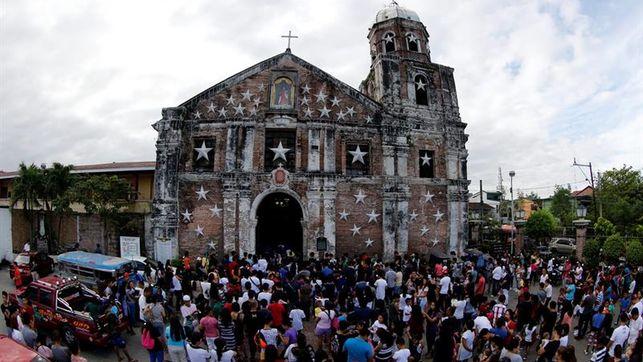 Explota granada en Iglesia de Filipinas