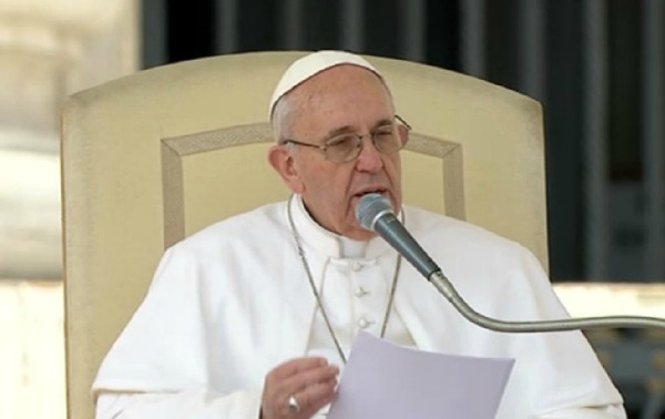 El Papa pide paz para República del Congo
