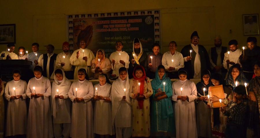 Comunidades cristianas en Pakistán llevan a cabo vigilia de oración