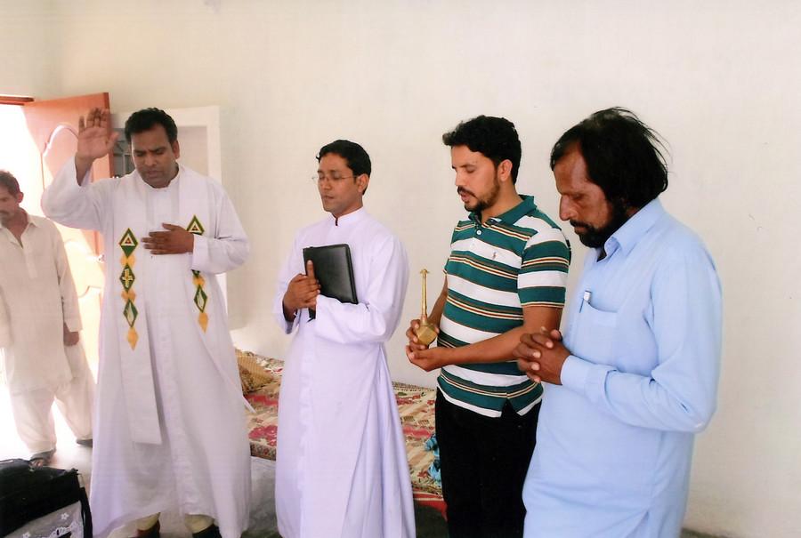 Más ordenaciones de sacerdotes en Pakistán