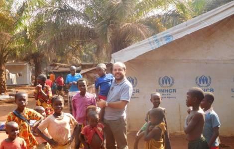 Regresan a casa 10 mil refugiados en República Centroafricana