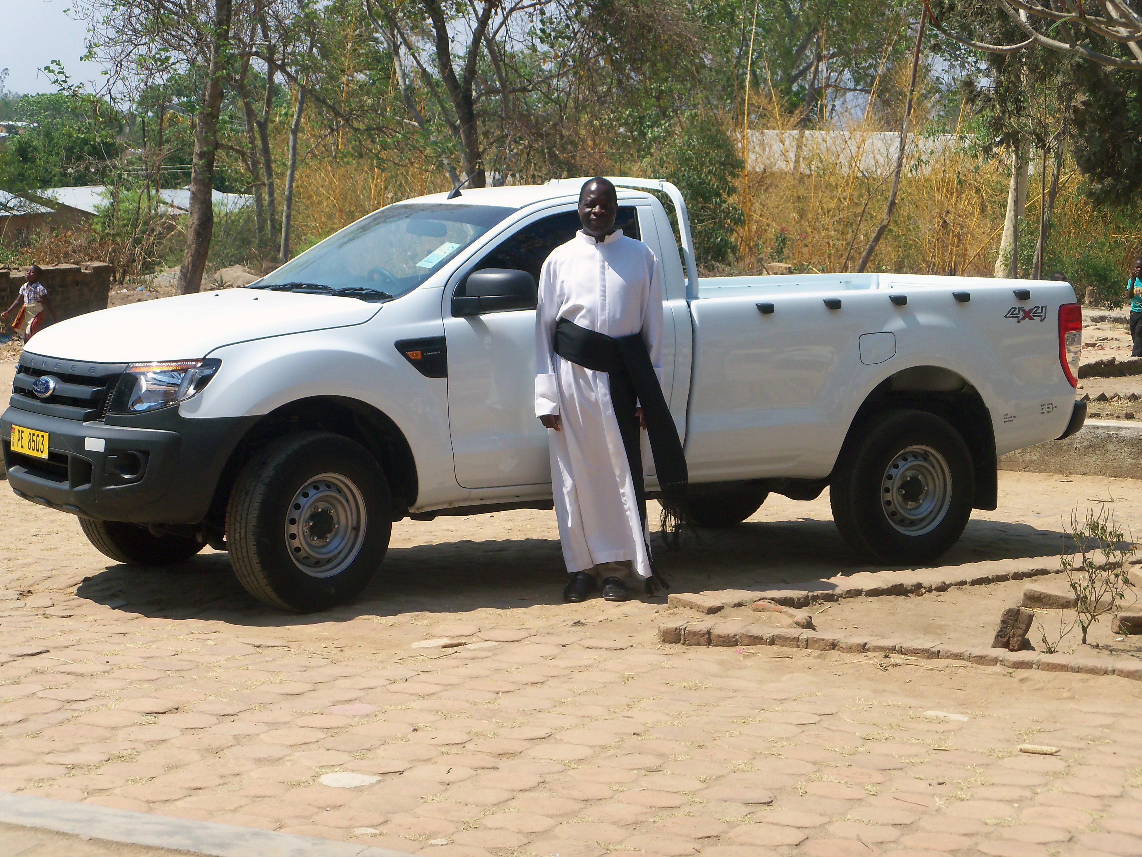 Proyecto de mes: Un vehículo para una parroquia ubicada en las montañas en Mozambique