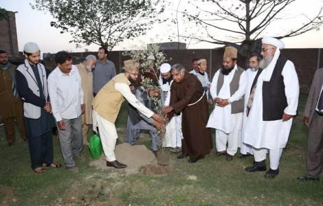 Fomentan cultura de la paz entre religiones en Pakistán