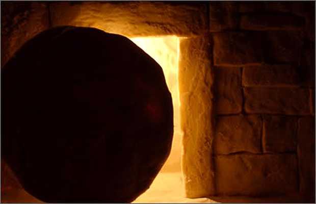"""""""Hay que vivir en la lógica de la resurrección"""""""