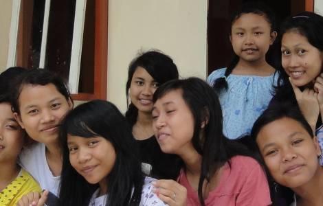 Los jóvenes son embajadores de paz en Asia
