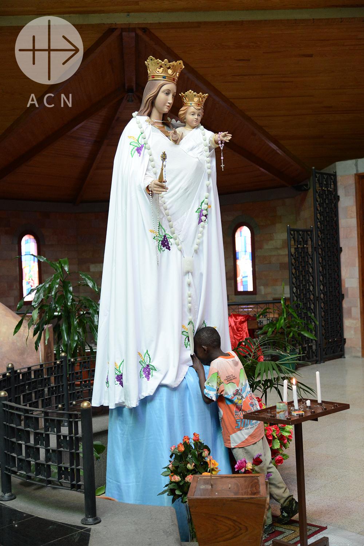 Proyecto de mes: Un libro sobre la Virgen María