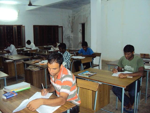 Proyecto: Un minibús para un seminario mayor en la India