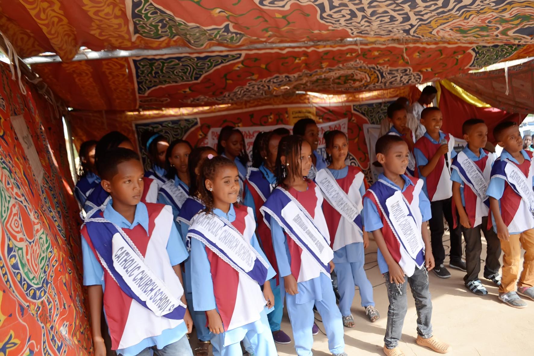 Una escuela para niños cristianos eritreos en Sudán