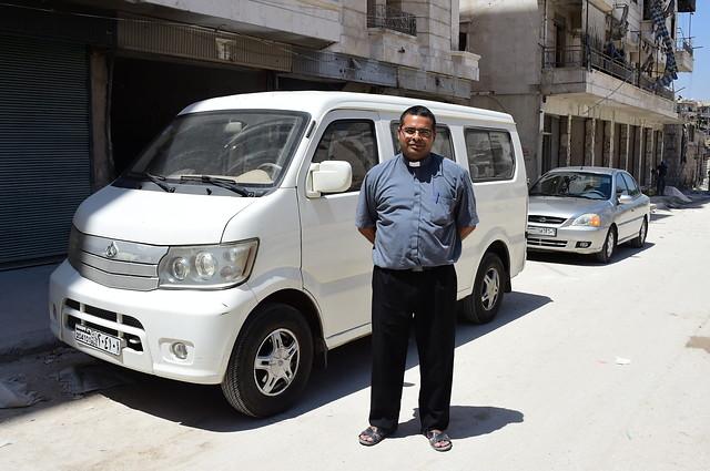 Proyecto: Un vehículo para un sacerdote en Alepo, Siria