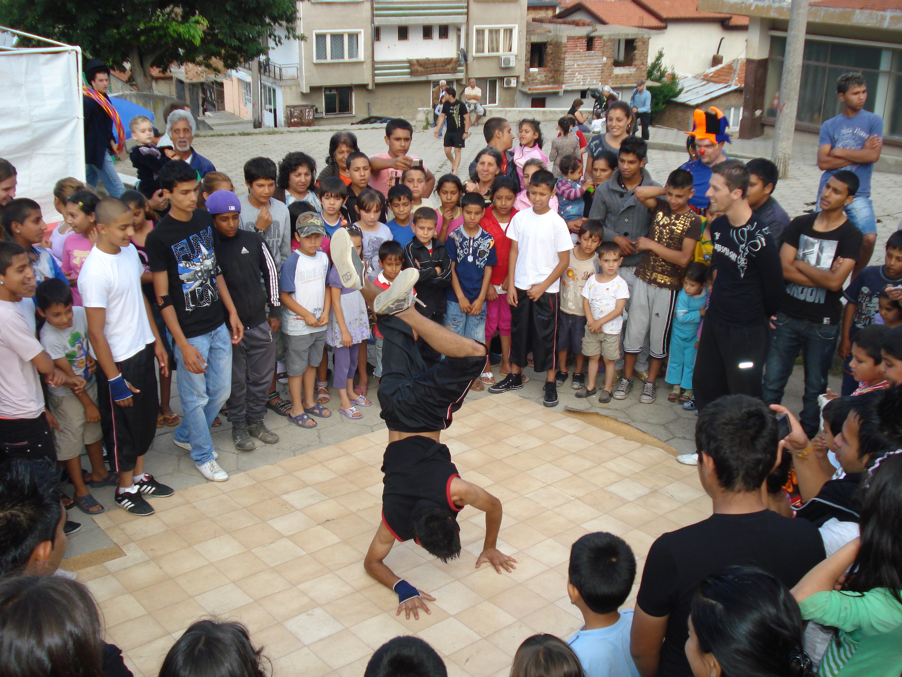 ACN ayuda a cambiar vidas de niños romaníes en Bulgaria