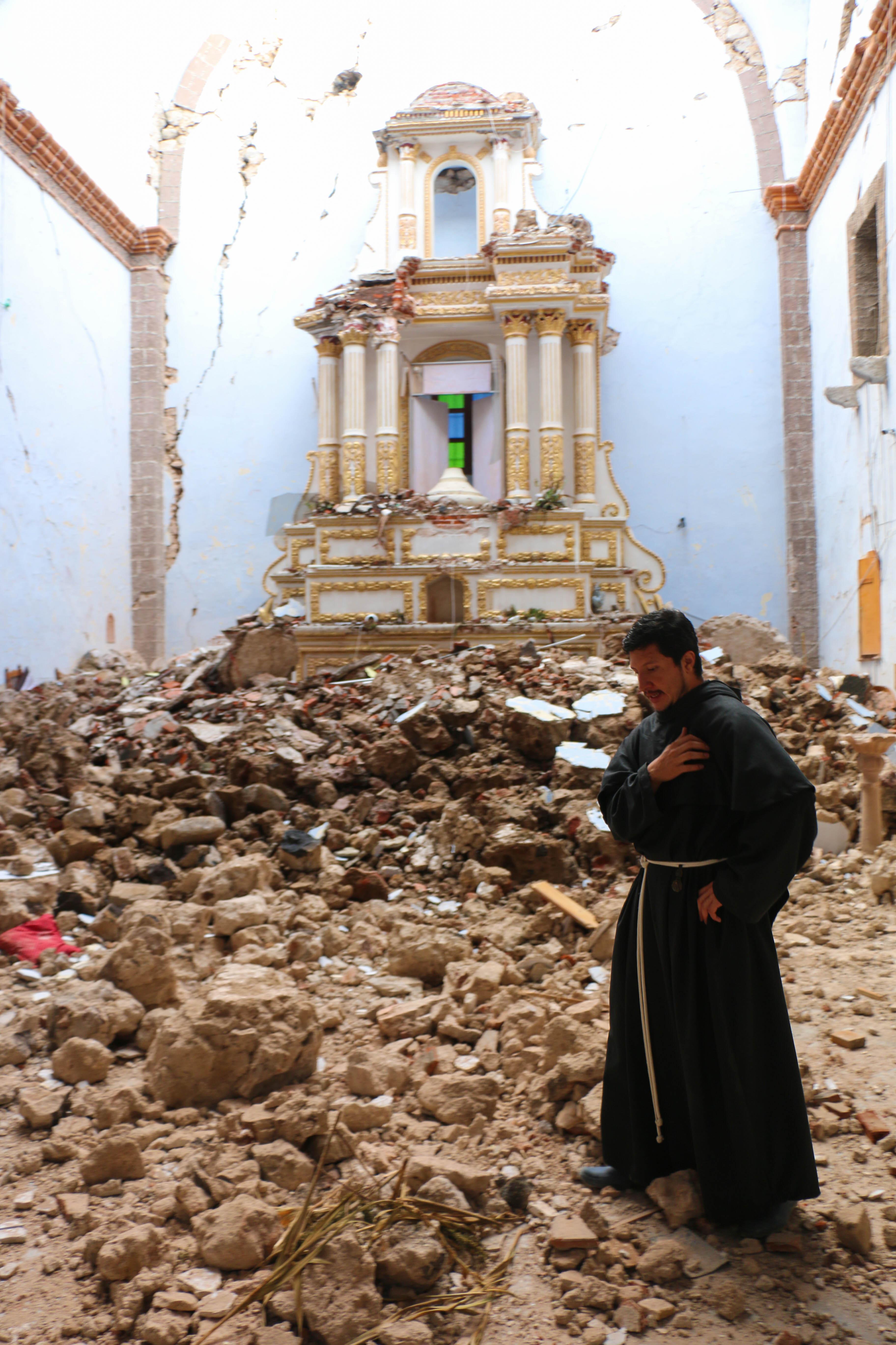 ACN se une a la reconstrucción de templos dañados en México