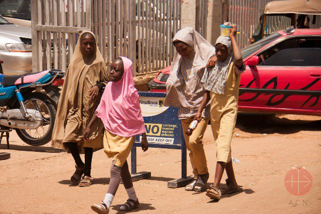 Pierdan la vida 50 personas en atentado terrorista en Nigeria