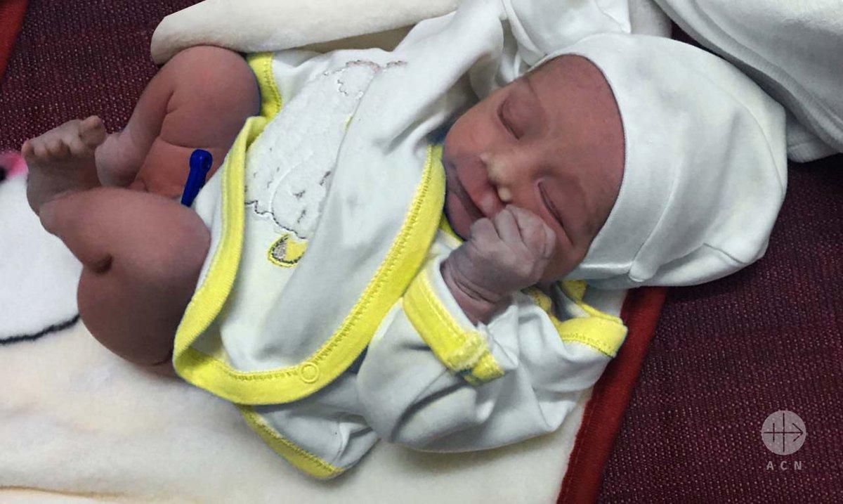 Un bebé salvado de la muerte en Irak
