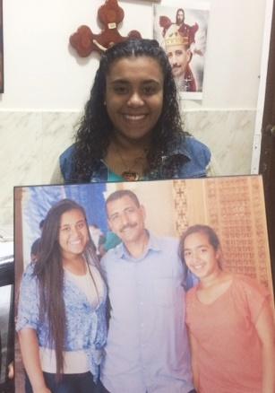 La joven que nunca olvidará la sonrisa de su padre antes de morir asesinado por el ISIS