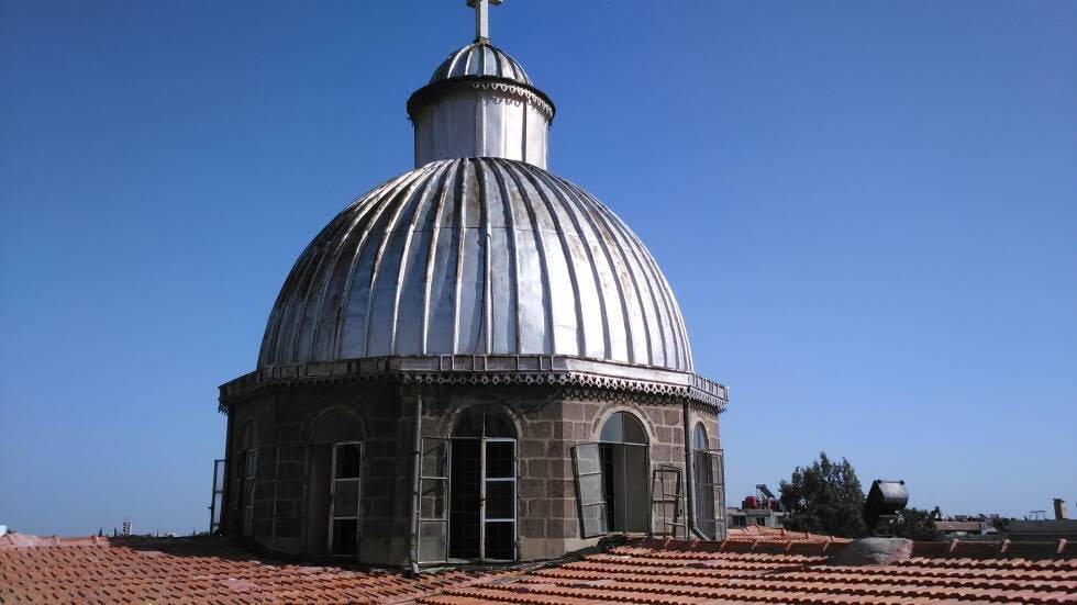 Catedral católica greco romana en Damasco es alcanzada por los morteros