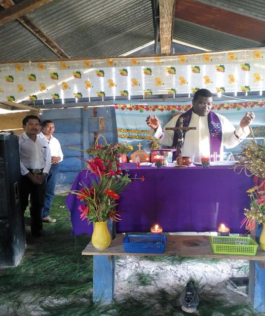 Proyecto de mes: Un transporte todoterreno para la parroquia del Calvario en Cobán, Guatemala