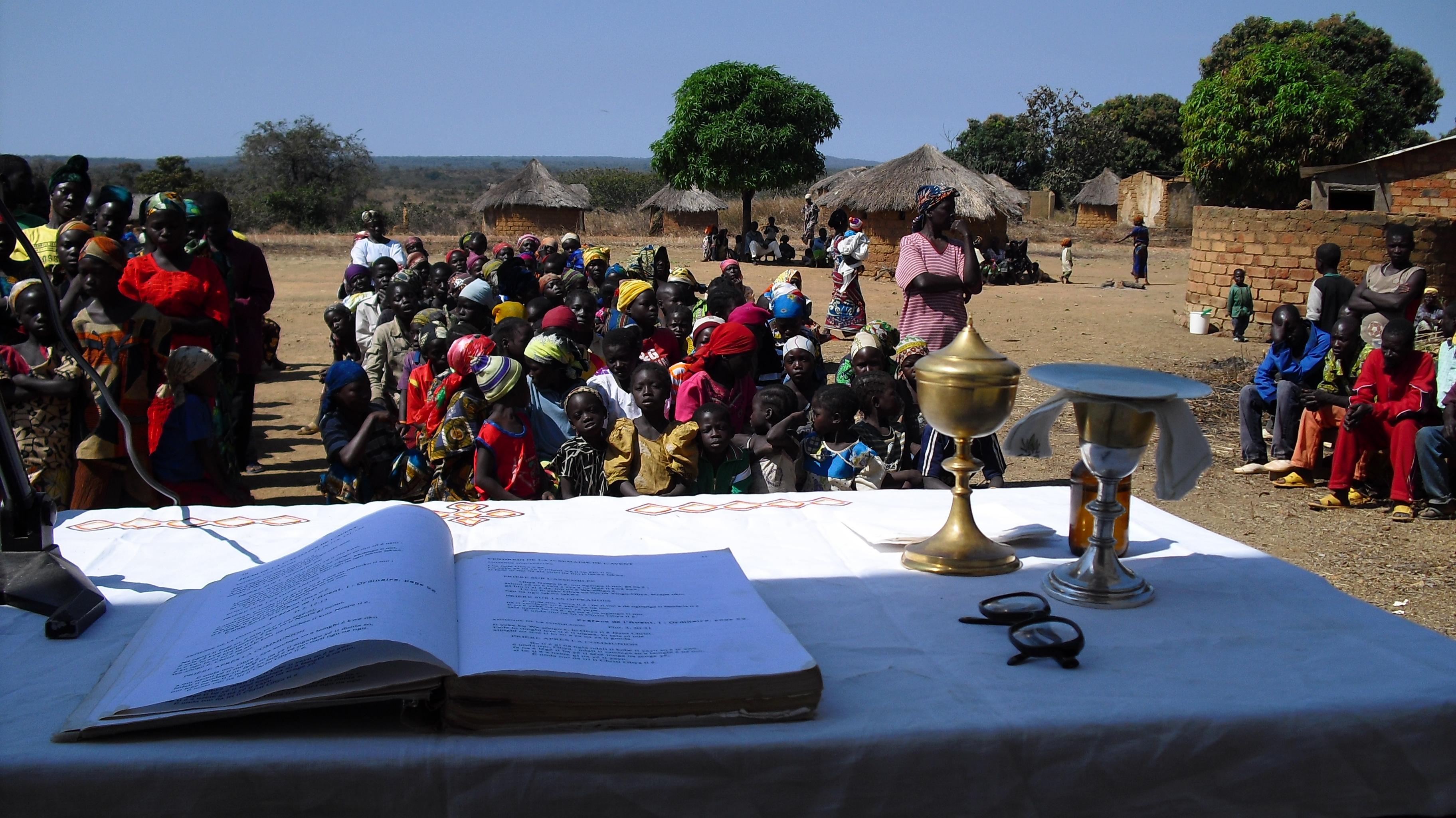 Proyecto: 30 000 ejemplares del Nuevo Testamento en sango, una de las lenguas oficiales