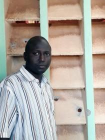 """""""Con mis propios ojos vi como arrojaban tres granadas"""": el testimonio del p. Otti del ataque a iglesia en Bangui"""