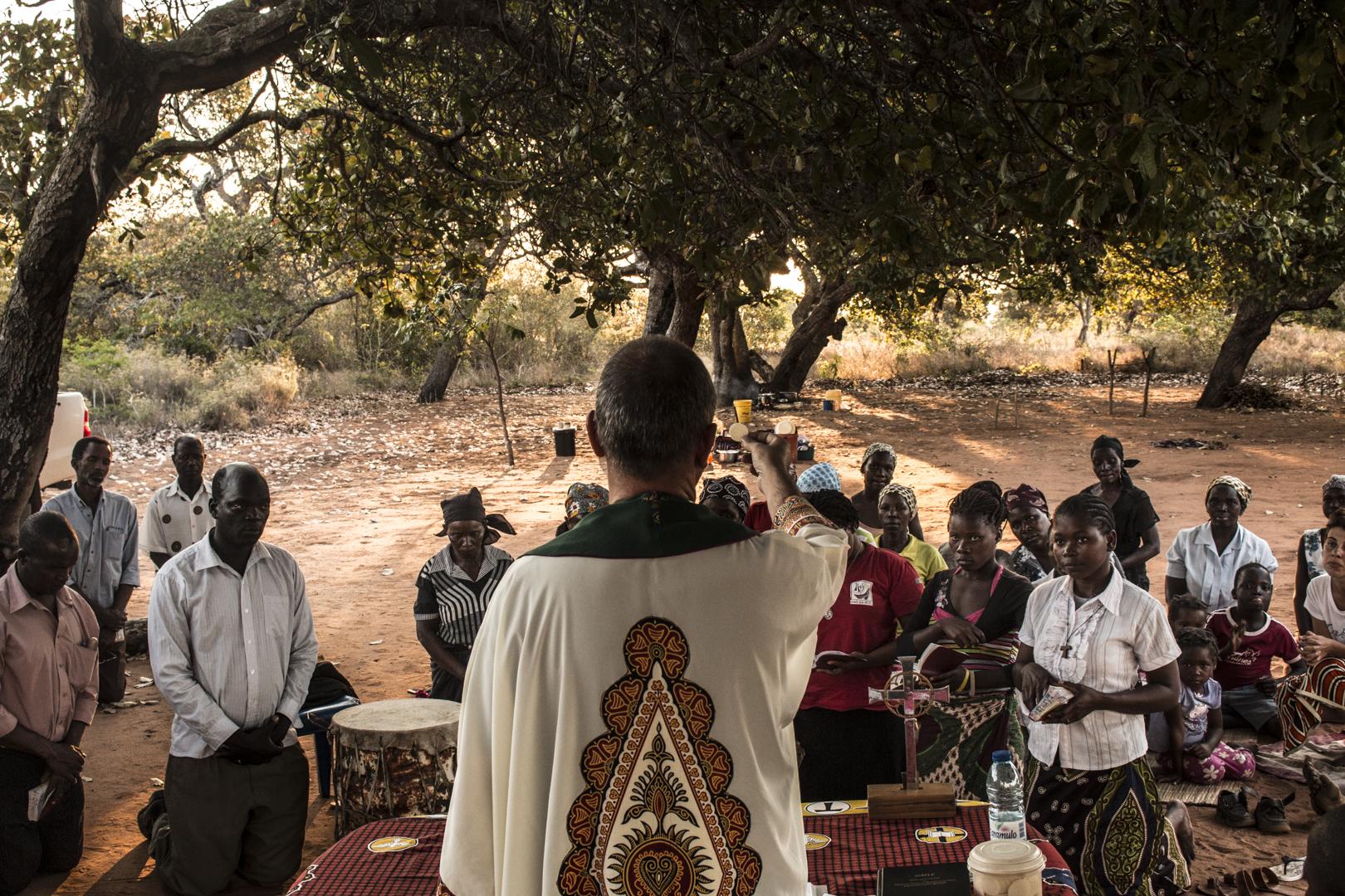 El obispo de Pemba, lanza un llamamiento a la serenidad ante los últimos ataques terroristas