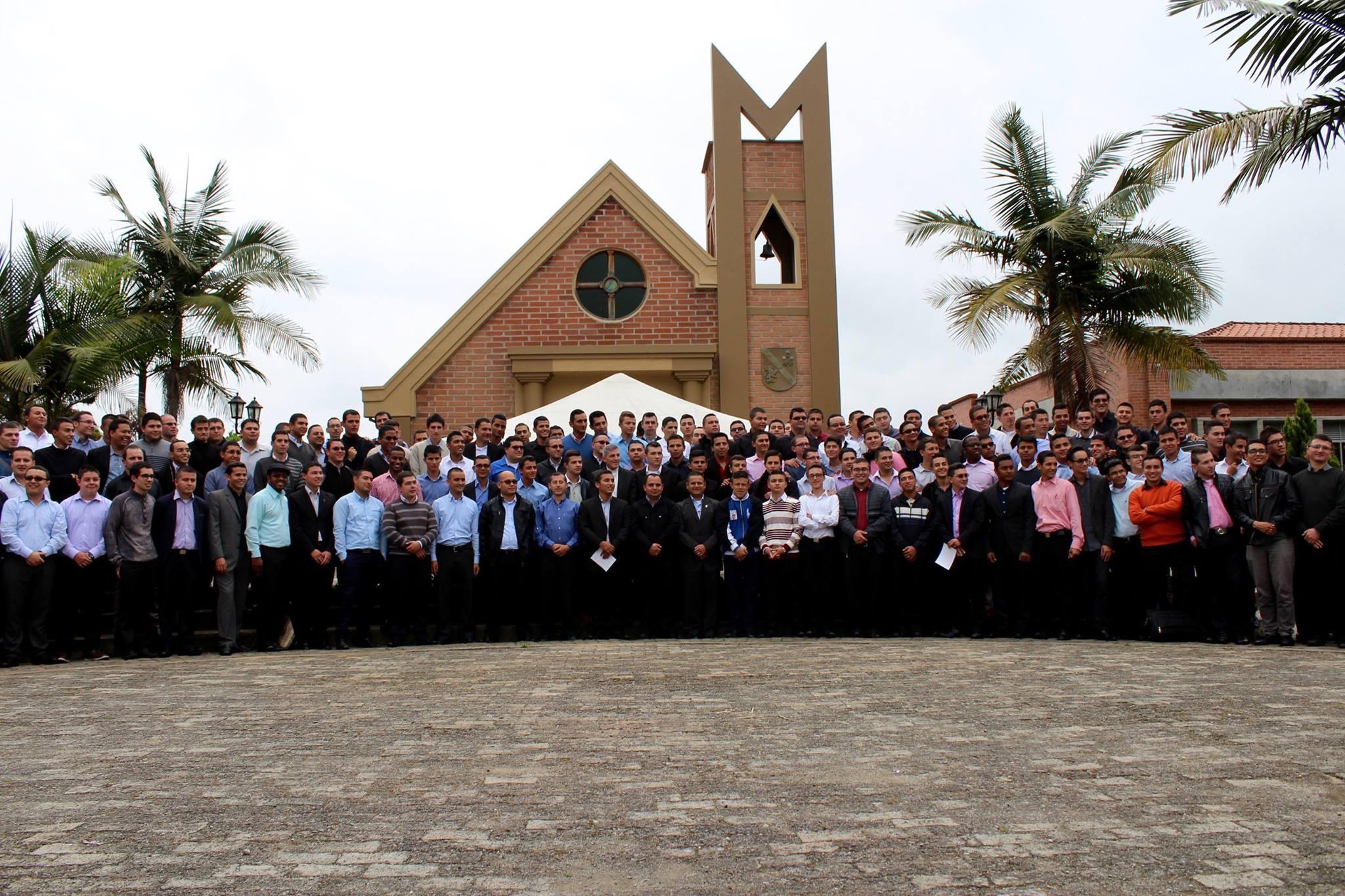 Proyecto: En Colombia 91 sacerdotes reciben formación, ACN apoya