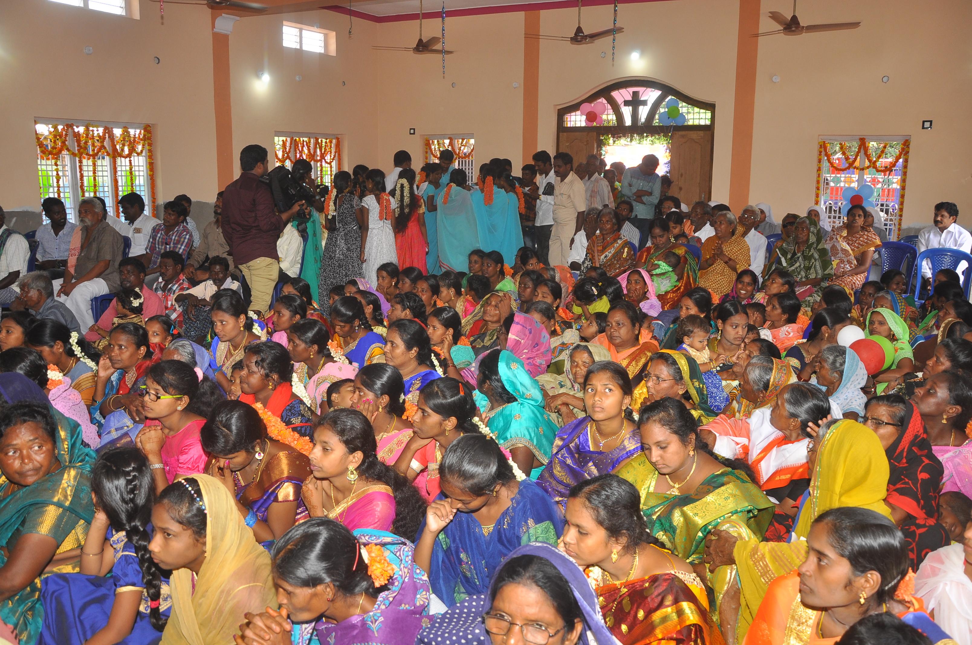 India: Inauguración de una capilla en el pueblo de West-Vipparu