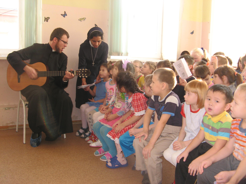 Acompañan, educan y dan alegría, son 63 religiosas en Rusia que reciben sustento de ACN