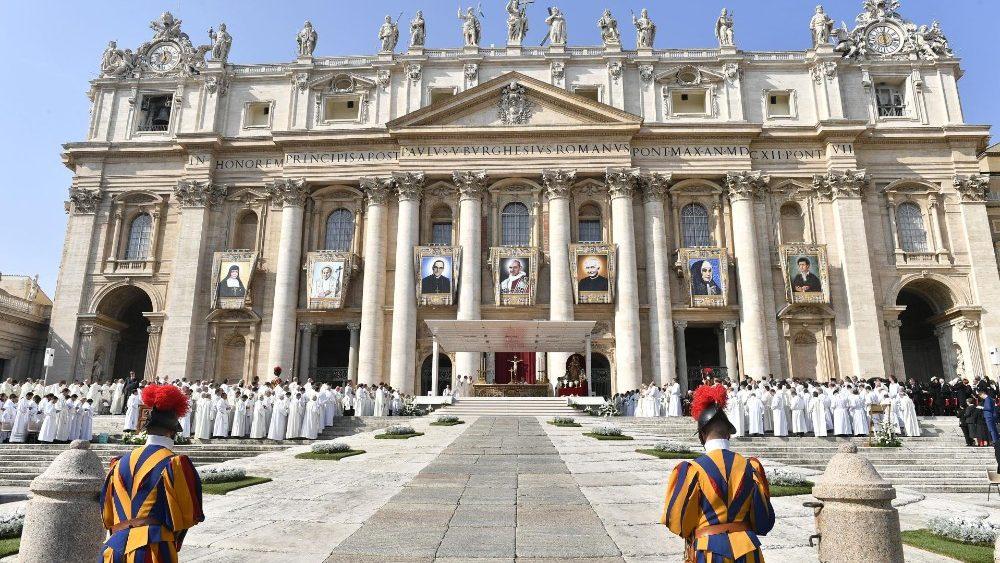 Vidas de los 7 nuevos santos
