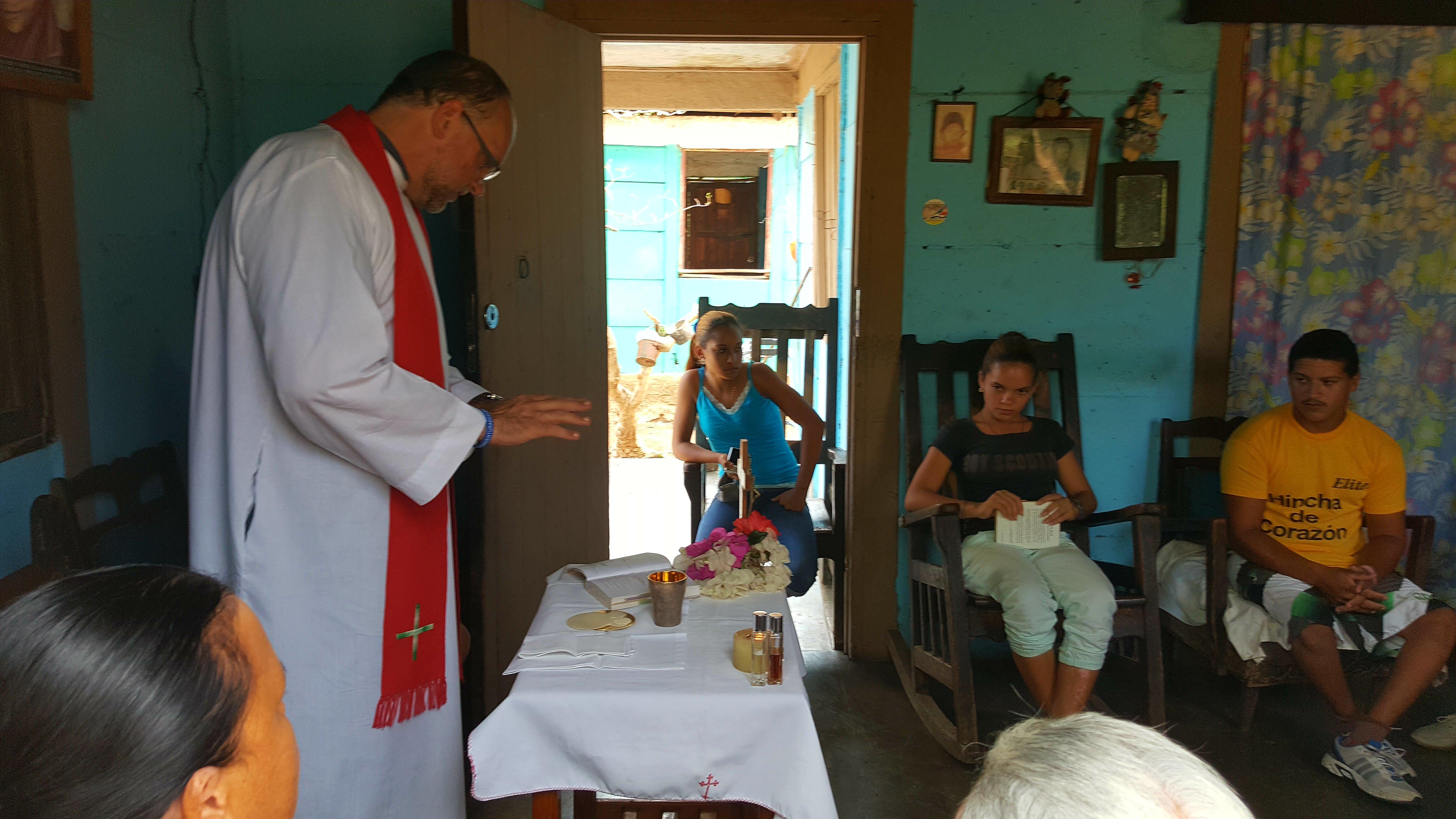 """""""Pase lo que la Iglesia de Cuba no se rinde ante las dificultades"""""""