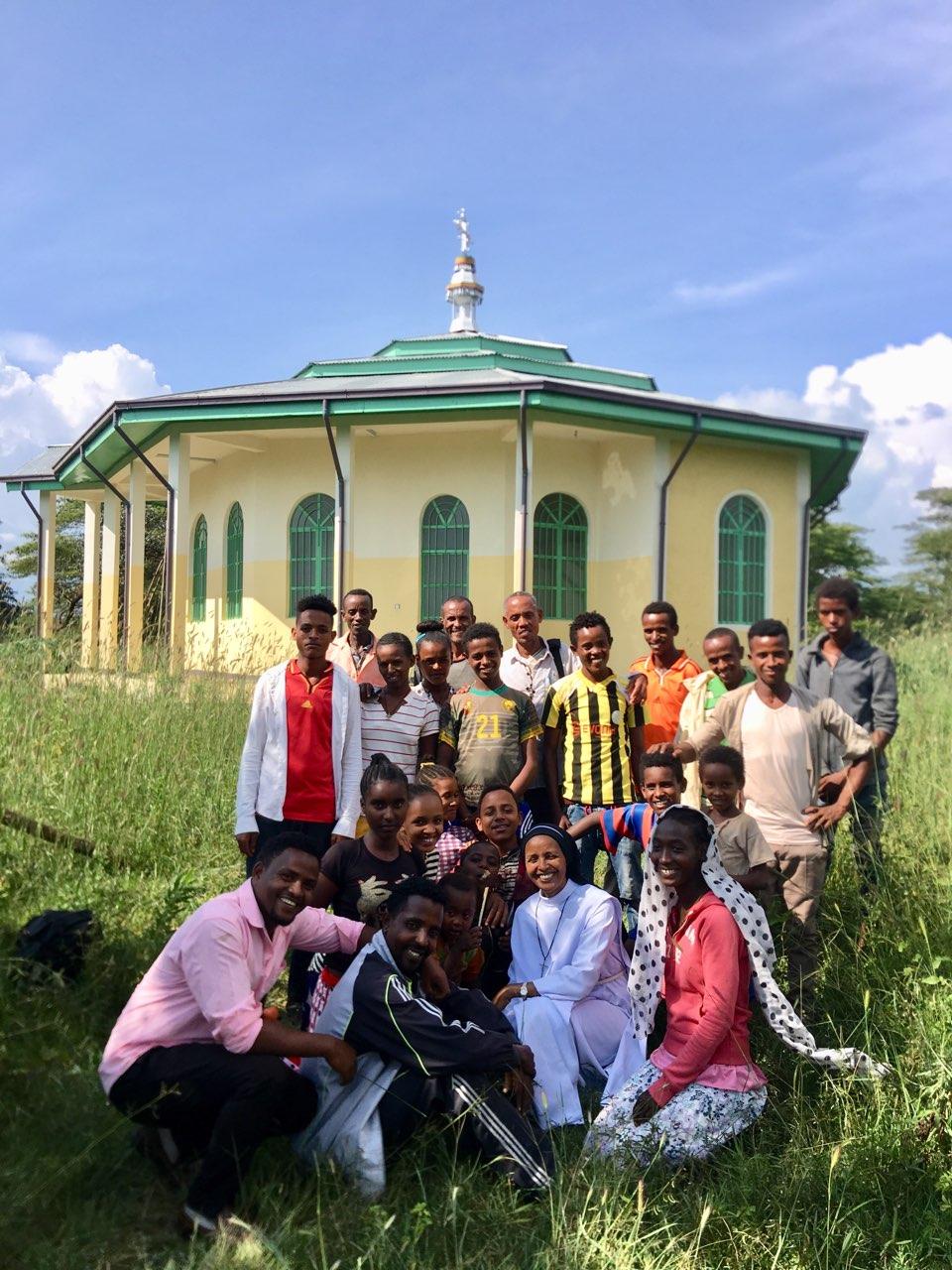 Historia de éxito: Los creyentes de Pawe están felices con su nueva iglesia