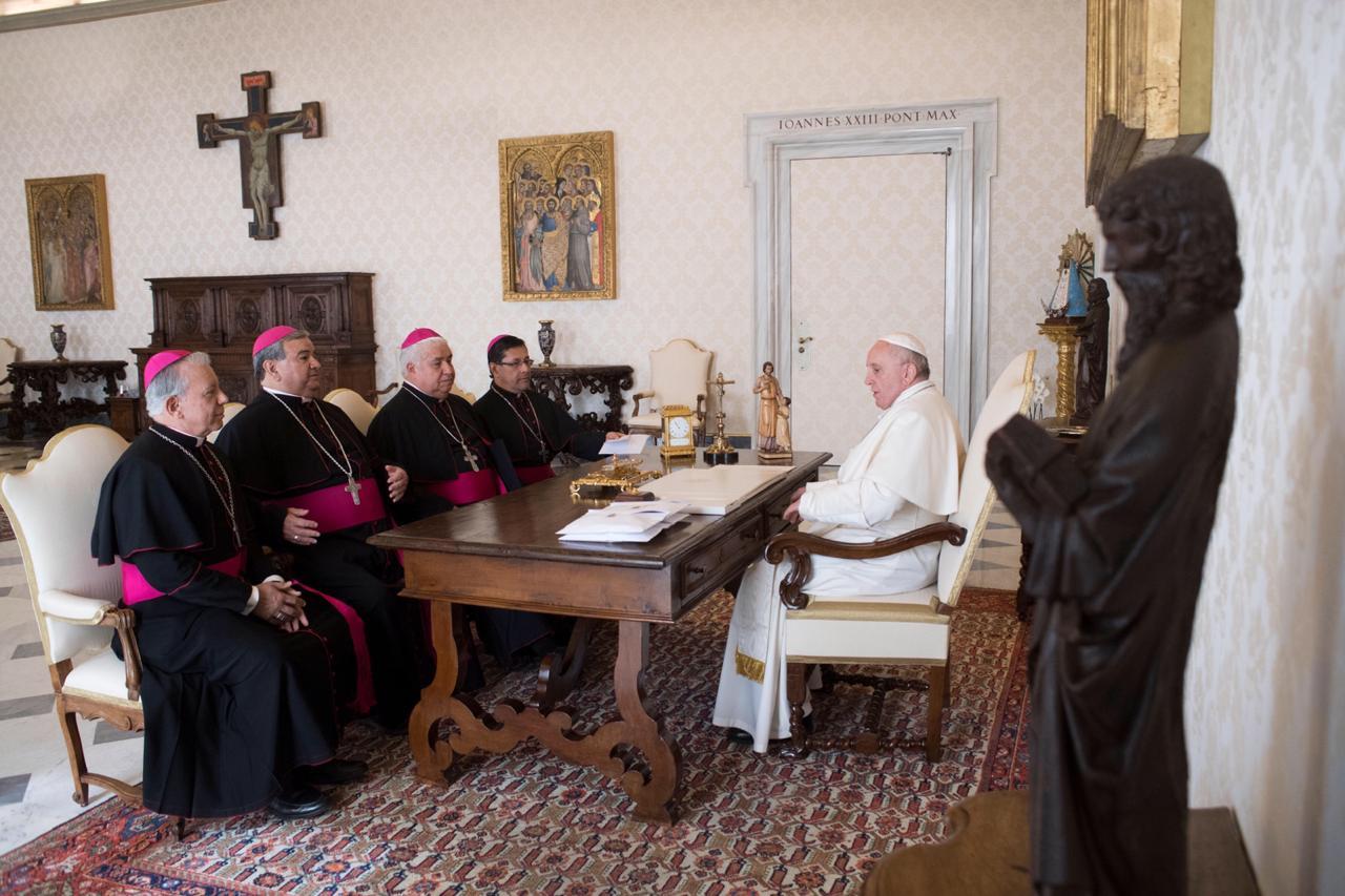 Obispos mexicanos se reúnen con el Papa
