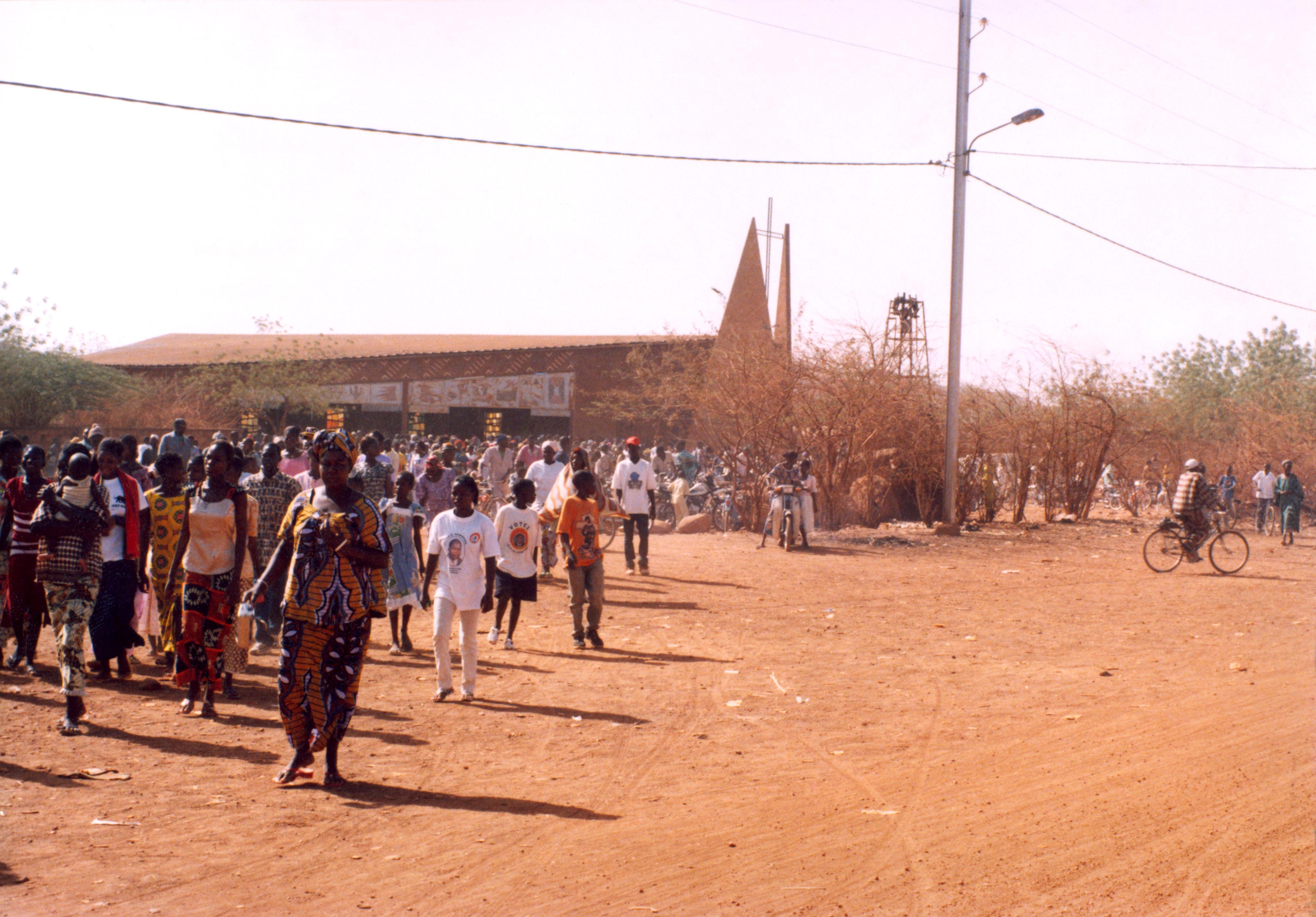 Obispo de Burkina Fasso divulga medidas de seguridad para los católicos
