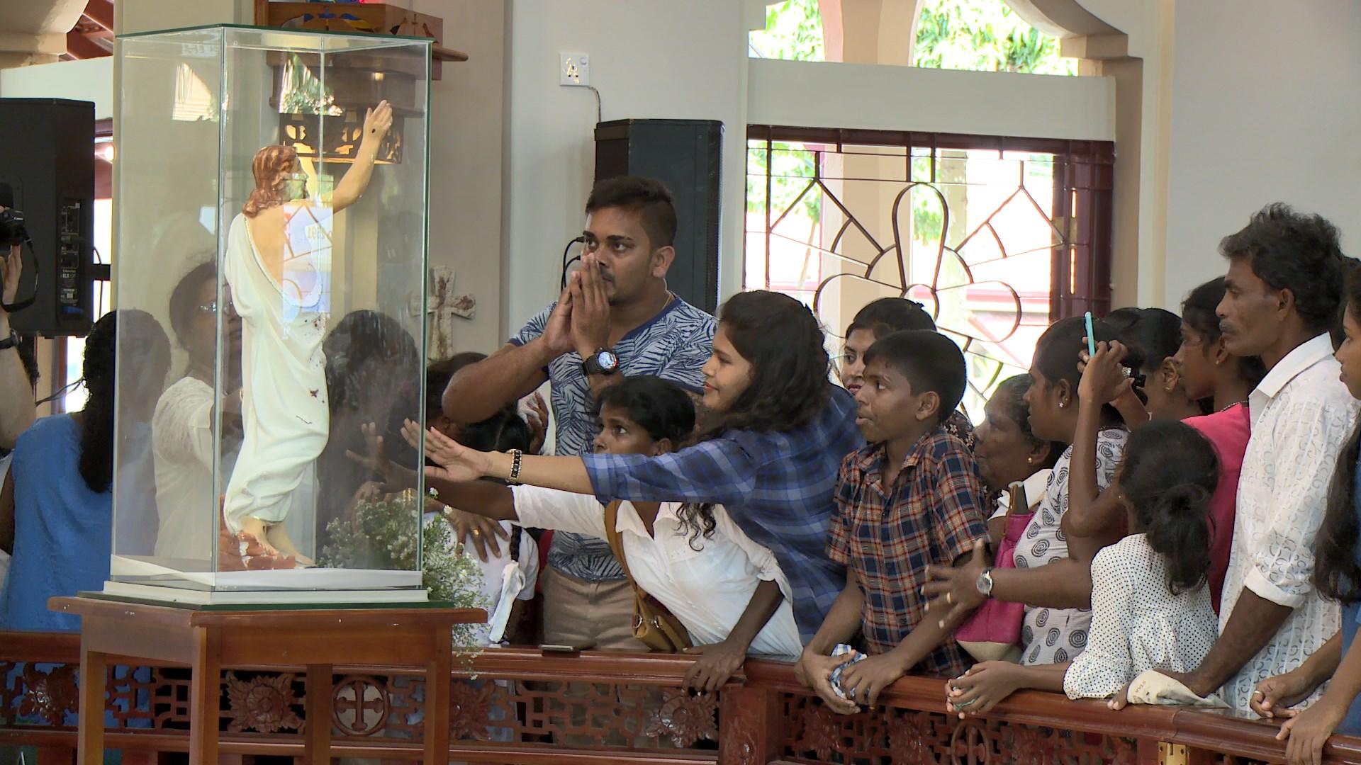 Sri Lanka: De la noche a la mañana, todo el país estaba bautizado