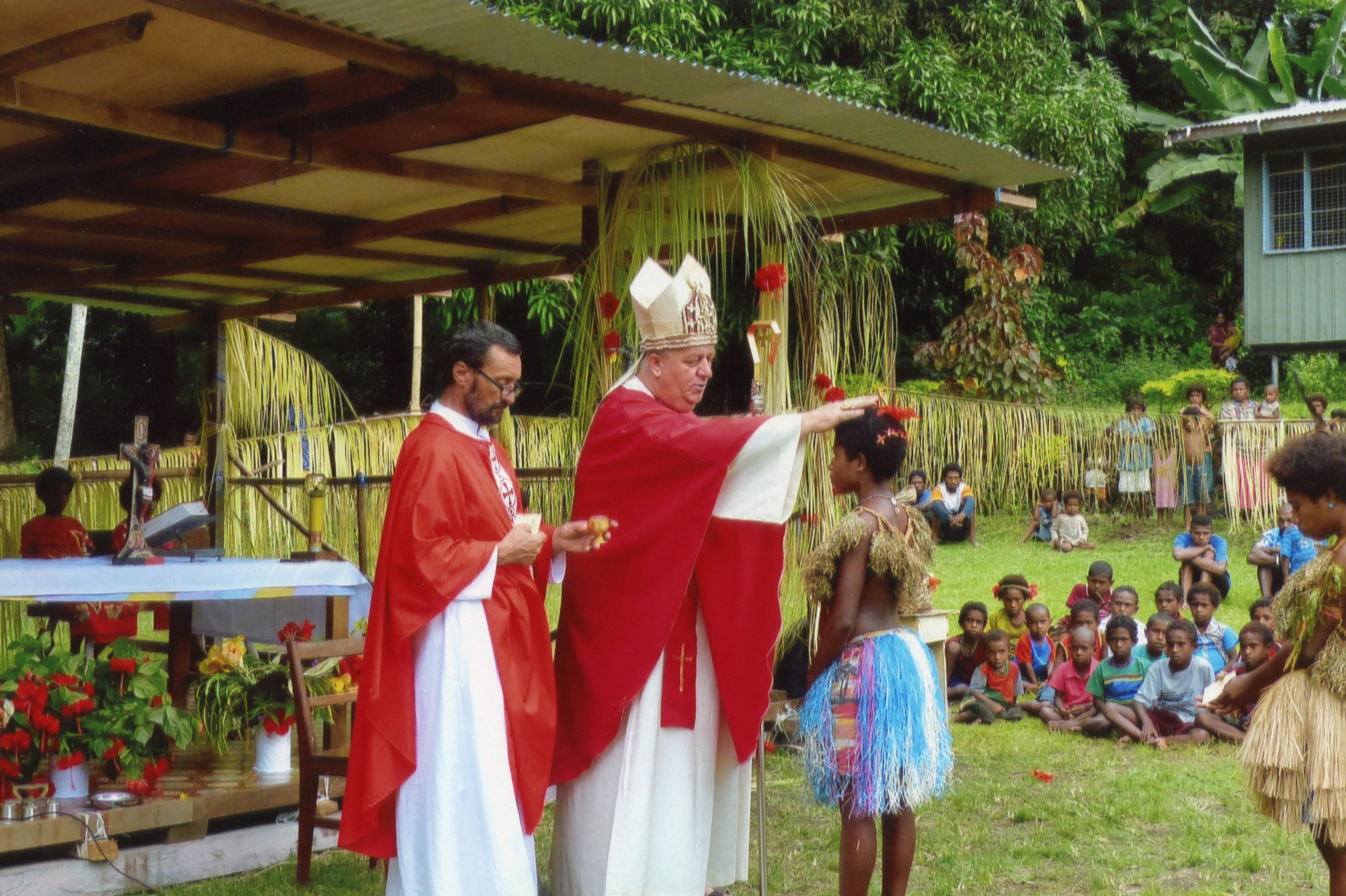 Papúa Nueva Guinea: renovación de embarcación para la pastoral
