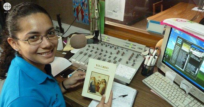 Honduras: 3.000 Biblias y 3.000 ejemplares del DOCAT