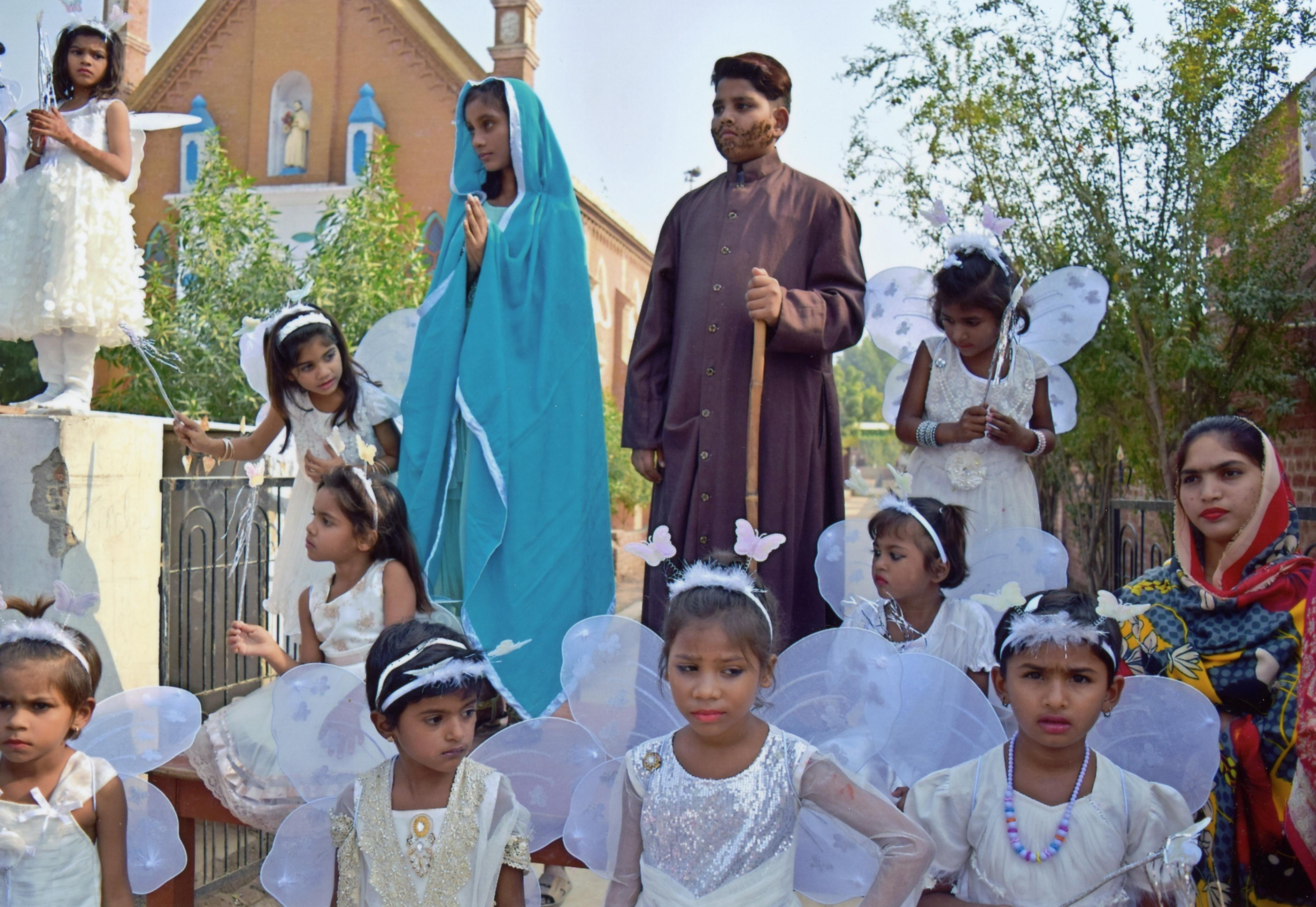 Pakistán: Ayuda a la formación para 42 catequistas
